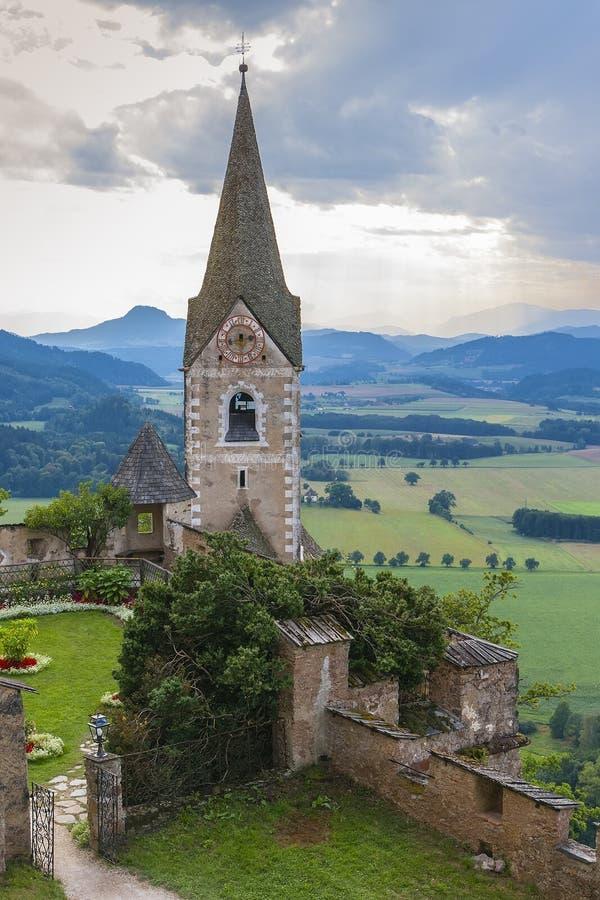 Hochosterwitz slott i Hochosterwitz arkivbild