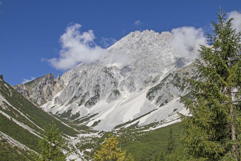 Hochplattig και Hochwand στα βουνά Mieming στοκ φωτογραφίες