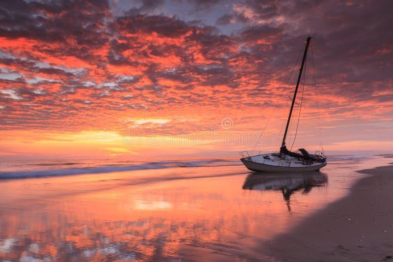 Hochrotes Küstensonnenaufgang-North Carolina lizenzfreie stockfotografie