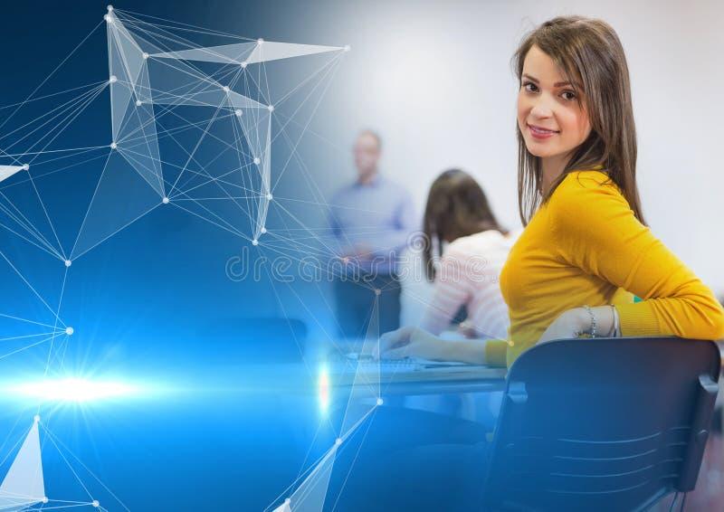 Hochschulstudent in der Klasse lizenzfreie stockfotos