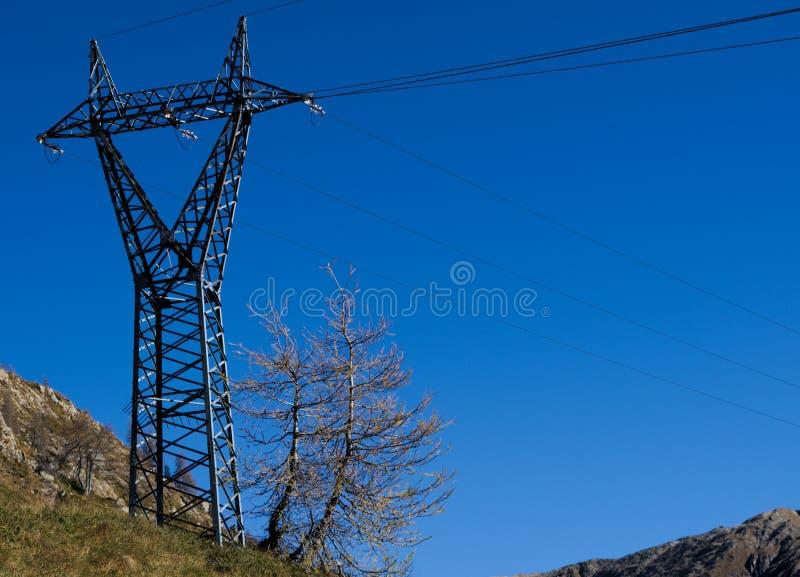 Download Hochspannungsmast stockfoto. Bild von umgebung, motor - 47100738