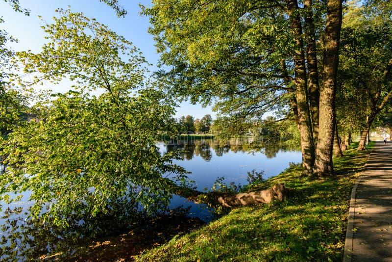 Download Hochwasserniveau Im Fluss Gauja, Nahe Valmiera-Stadt In Lettland S Stockfoto - Bild von lettland, baltisch: 106800474