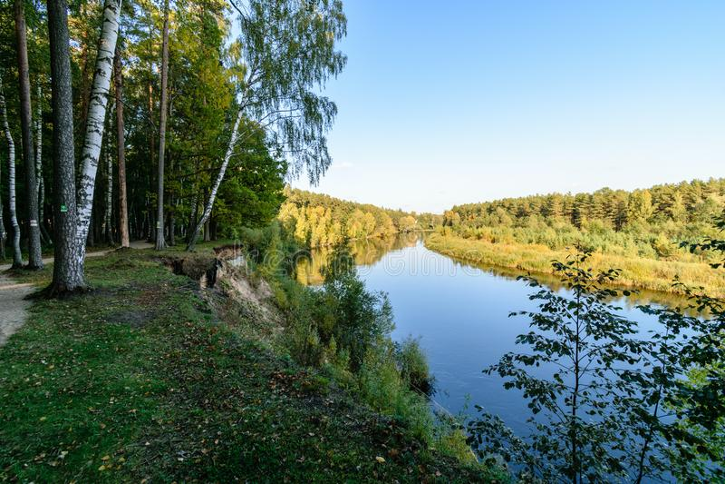 Download Hochwasserniveau Im Fluss Gauja, Nahe Valmiera-Stadt In Lettland S Stockbild - Bild von braun, lettland: 106800553