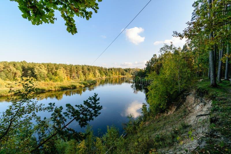 Download Hochwasserniveau Im Fluss Gauja, Nahe Valmiera-Stadt In Lettland S Stockbild - Bild von symbol, herbst: 106801073