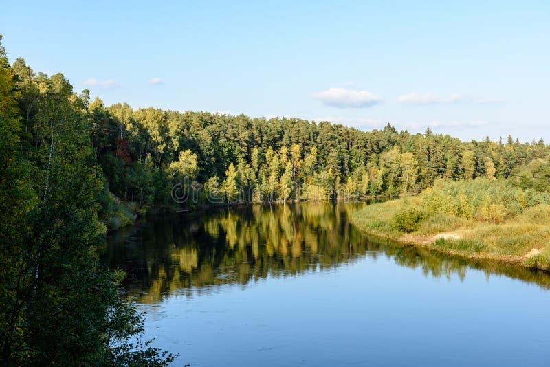 Download Hochwasserniveau Im Fluss Gauja, Nahe Valmiera-Stadt In Lettland S Stockfoto - Bild von stein, teutonic: 106801120