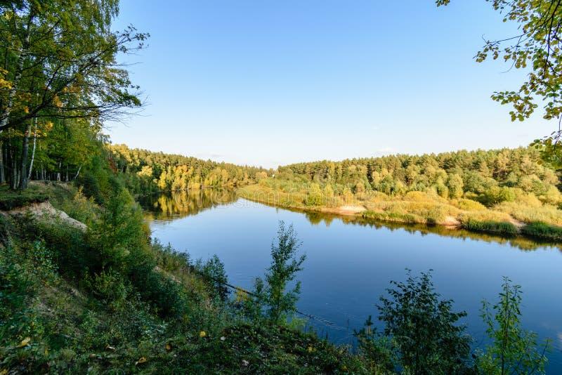 Download Hochwasserniveau Im Fluss Gauja, Nahe Valmiera-Stadt In Lettland S Stockbild - Bild von park, teutonic: 106801191