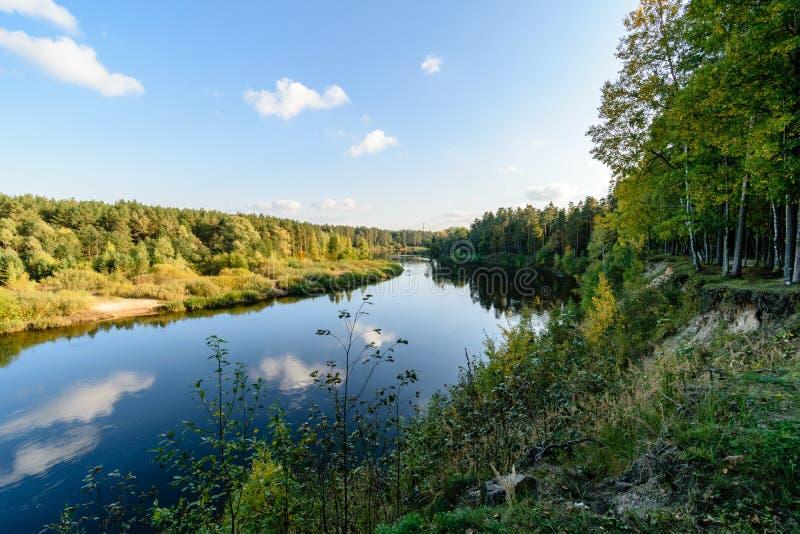 Download Hochwasserniveau Im Fluss Gauja, Nahe Valmiera-Stadt In Lettland S Stockbild - Bild von stein, gras: 106801293