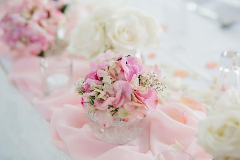 Hochzeit blüht Brautblumenstrauß lizenzfreie stockfotos