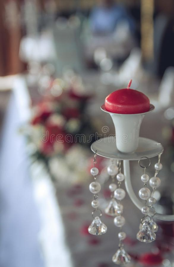Hochzeit bl?ht Dekoration Hochzeitsdekoration mit Brautblumenstraußnahaufnahme stockfotos