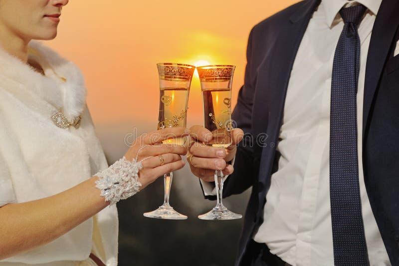 hochzeit Braut und Bräutigam lizenzfreie stockfotografie