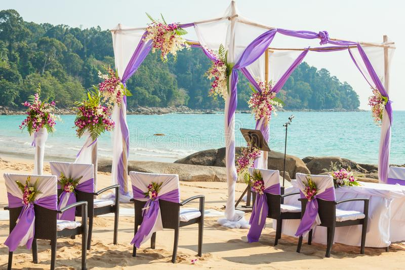 Hochzeit gegründet auf dem Strand lizenzfreie stockfotografie