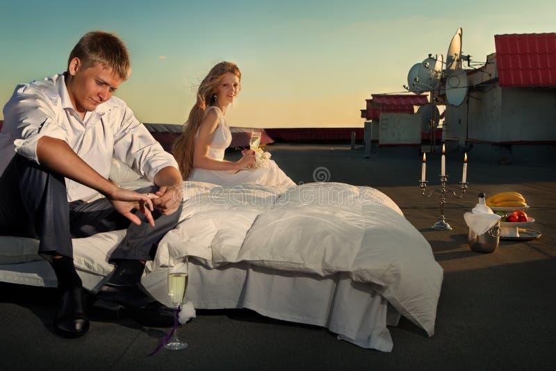 Hochzeit geschossen auf Dach stockfoto