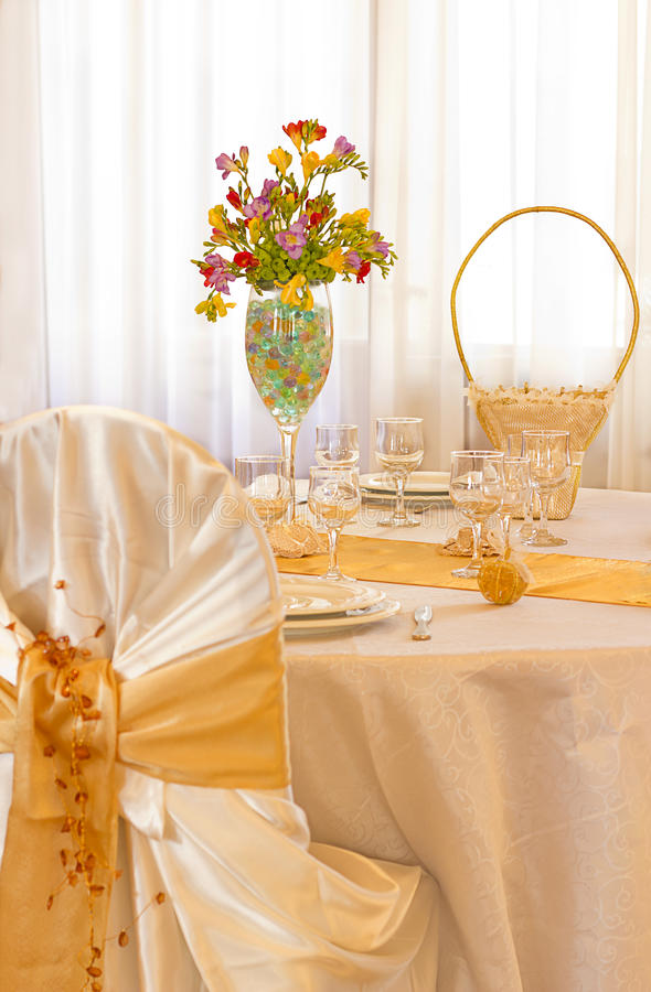 Hochzeit legt Anordnung ver lizenzfreies stockbild