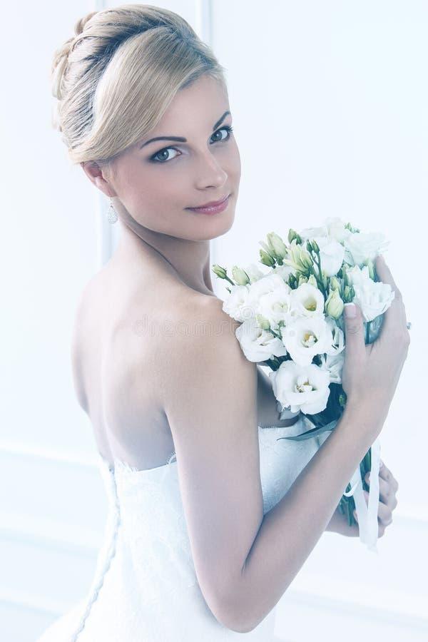 hochzeit Schöne Braut lizenzfreie stockbilder