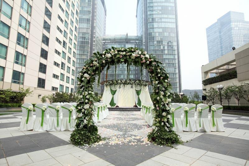 Hochzeit Szene im Freien stockbilder