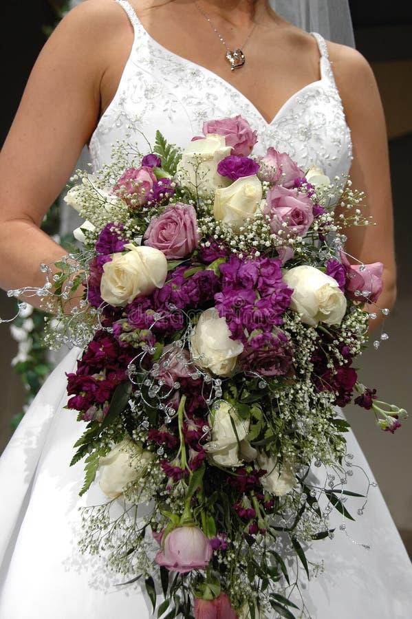Hochzeits-Blumenstrauß von den Rosen stockbilder