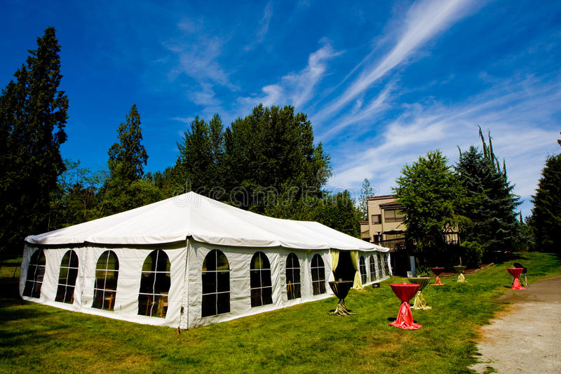 Hochzeits-Zelt lizenzfreie stockbilder