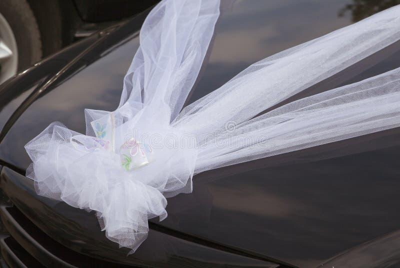 Hochzeitsautodekoration lizenzfreie stockbilder