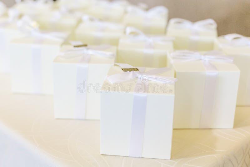 Hochzeitsbevorzugungen für Heiratsgast stockfoto