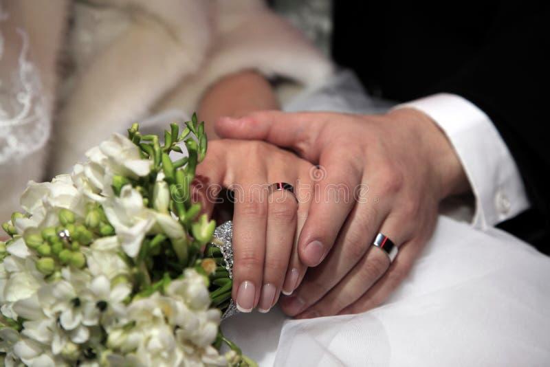 Download Hochzeitsblumenstrauß stockfoto. Bild von verbunden, weiß - 26353372