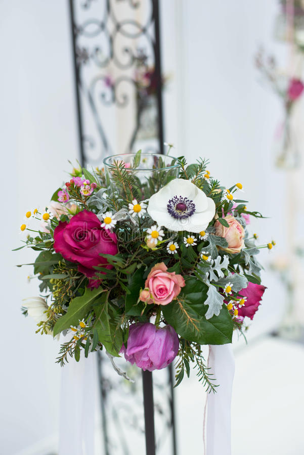 Hochzeitsblumenstrauß für die Braut lizenzfreies stockbild