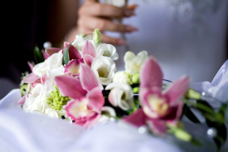 Hochzeitsblumenstrau? der Blumen stockfotografie