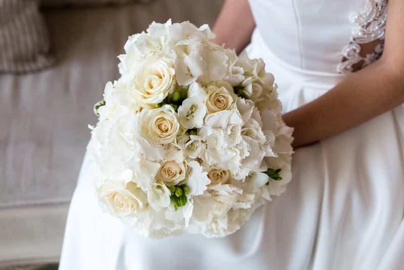 Hochzeitsblumenstrau? der Blumen lizenzfreie stockbilder