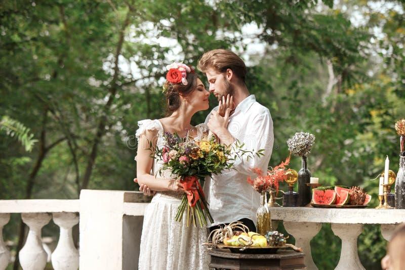 Download Hochzeitsdekoration Im Stil Des Boho, Blumengesteck, Verzierte Tabelle Im Garten Stockbild - Bild von lebensstil, blick: 96928693