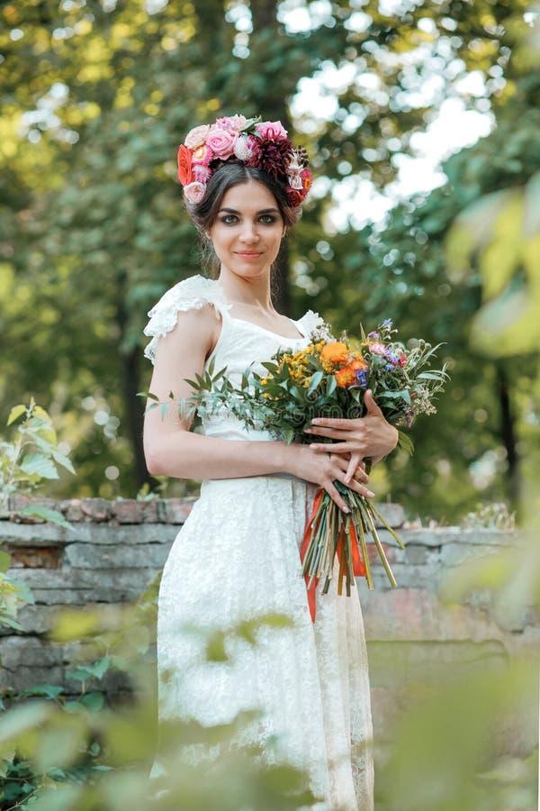 Download Hochzeitsdekoration Im Stil Des Boho, Blumengesteck, Verzierte Tabelle Im Garten Stockfoto - Bild von feier, schön: 96928818