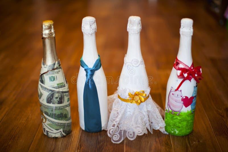 Hochzeitsflaschen stockfotos