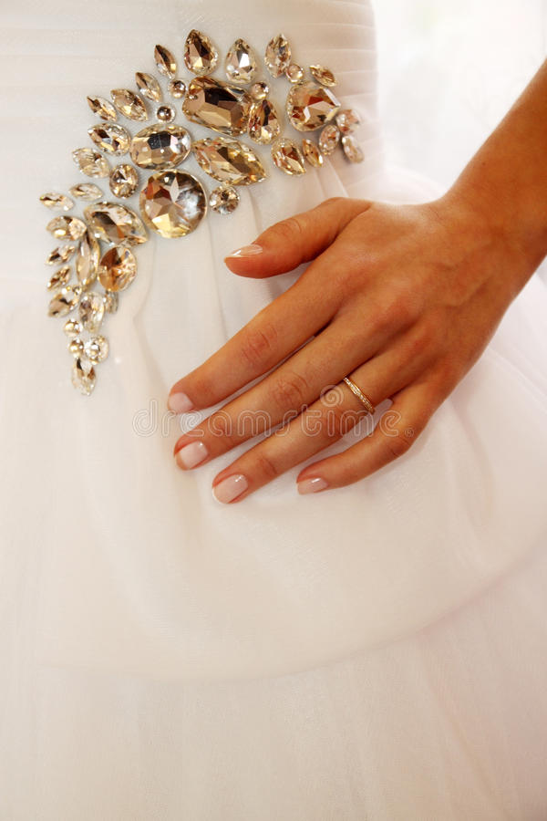 Download Hochzeitskleid stockfoto. Bild von braut, makro, diamant - 27728504