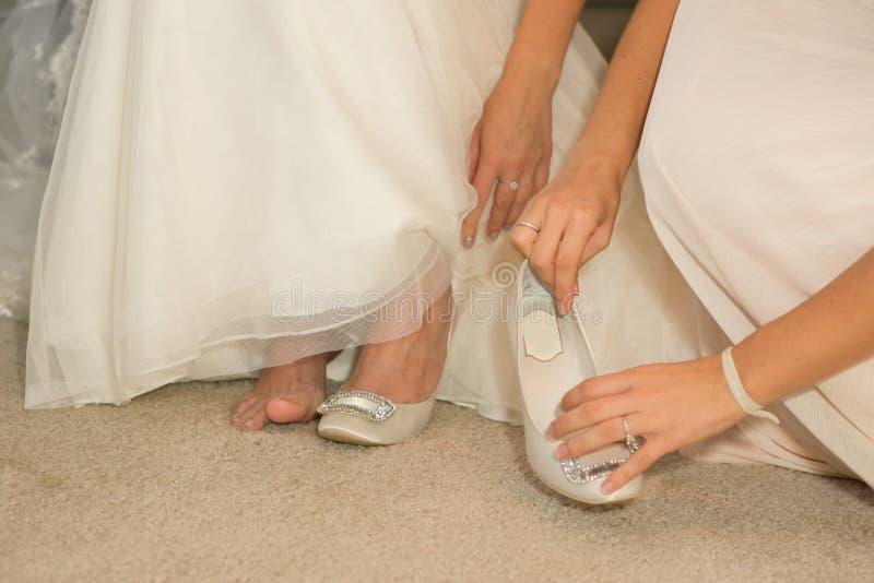 Hochzeitskleid der Braut stockfotografie
