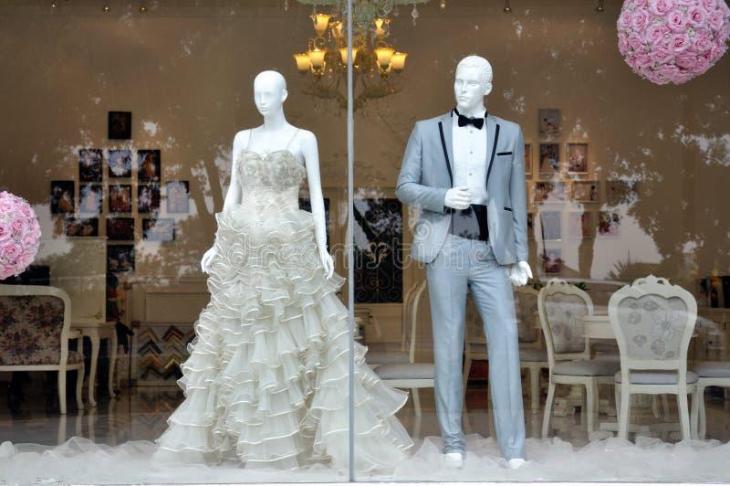 Hochzeitskleidspeicher lizenzfreie stockfotos