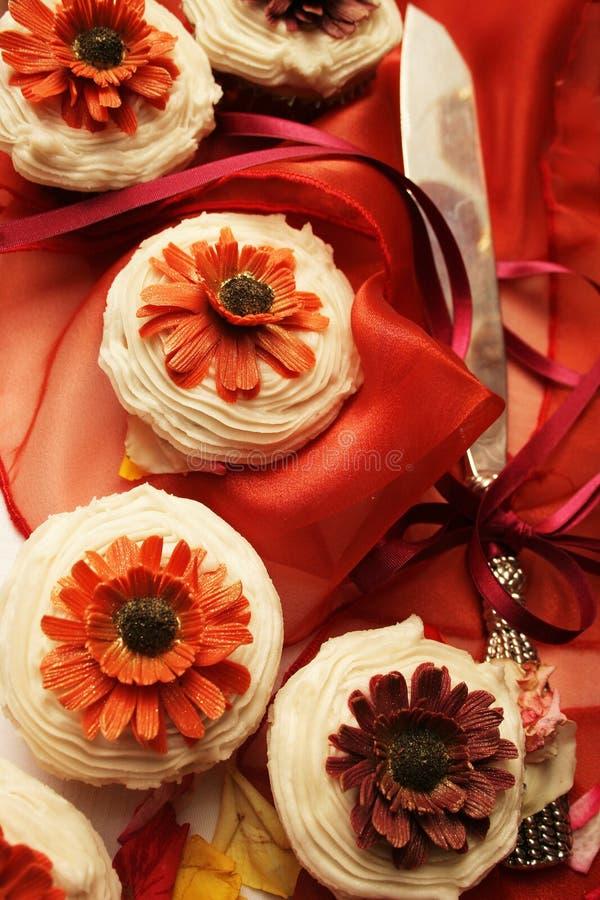 Hochzeitskleine kuchen stockbild