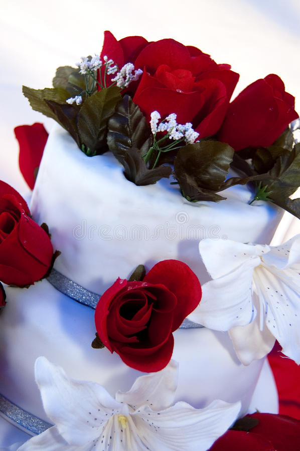 Hochzeitskuchenrot stockbild