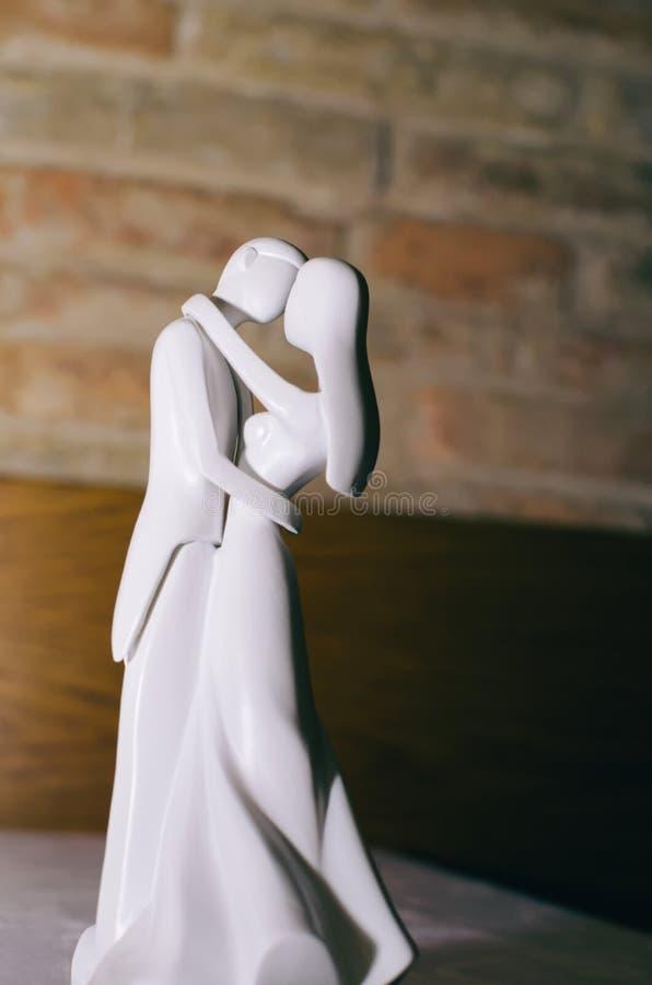 Hochzeitspaarfigürchen stockbild