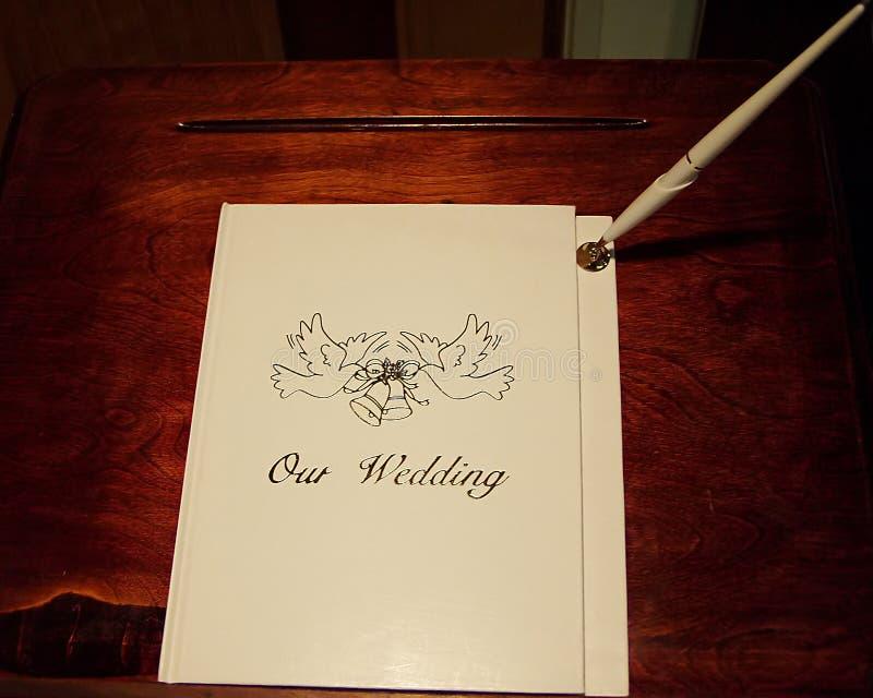 Download Hochzeitsregister stockfoto. Bild von fall, feder, buch - 41024