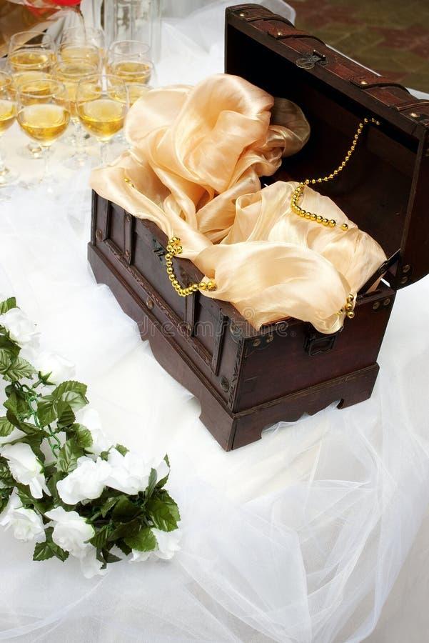 Hochzeitsschatzkasten stockfotografie