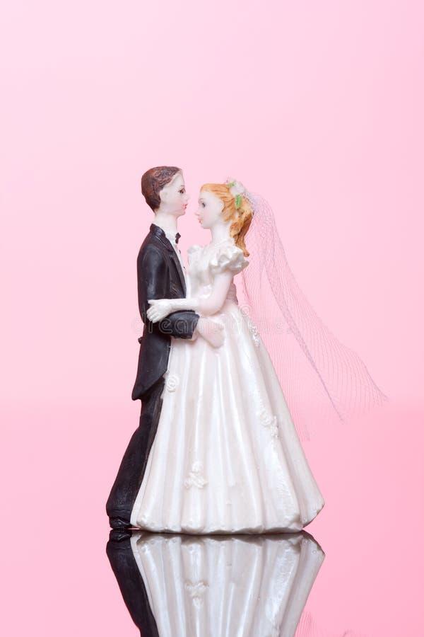 Hochzeitstanzenfigürchen stockfotos