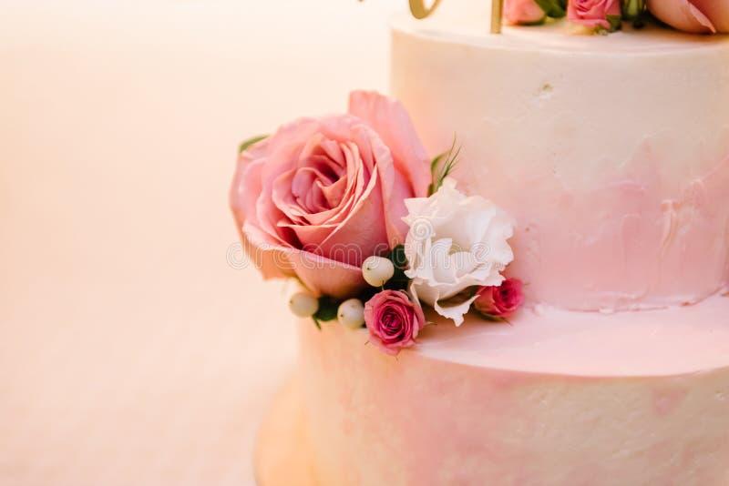 Hochzeitstorte, Kuchen für eine Hochzeit lizenzfreie stockfotos