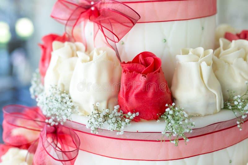 Hochzeitstortedekoration stockbilder