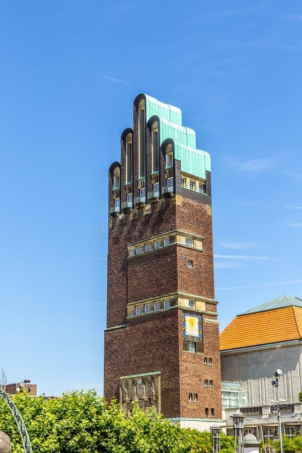 Hochzeitsturm在达姆施塔特艺术家的殖民地的婚礼塔 库存照片