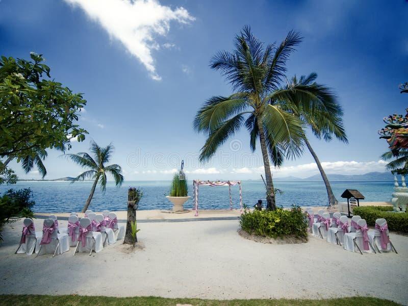 Hochzeitszeremonie auf einem Strand stockfoto