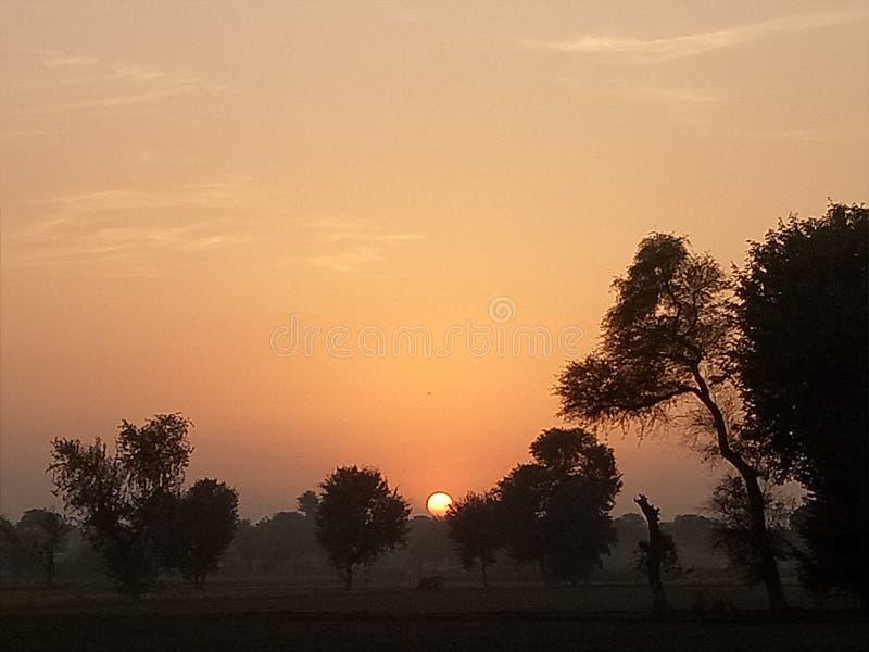 Hoe zou u een Zonsondergang beschrijven? royalty-vrije stock afbeeldingen