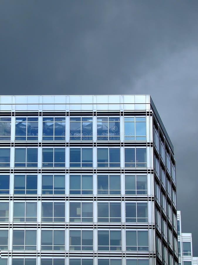 Hoek van het bureaugebouw stock foto