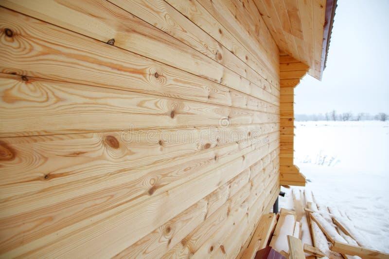 Hoekverbinding van de muren van het hout royalty-vrije stock afbeeldingen