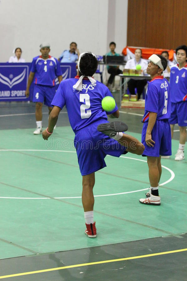 Hoepel Takraw: Chonburigame Thailand stock afbeeldingen