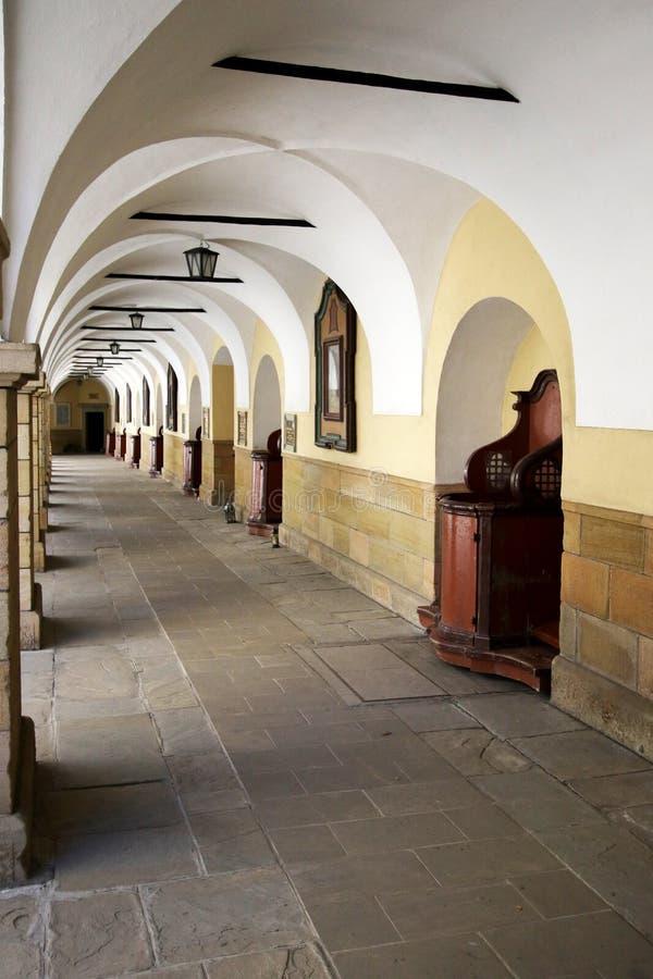 Hof des Klosters in Kalwaria Zebrzydowska lizenzfreie stockbilder