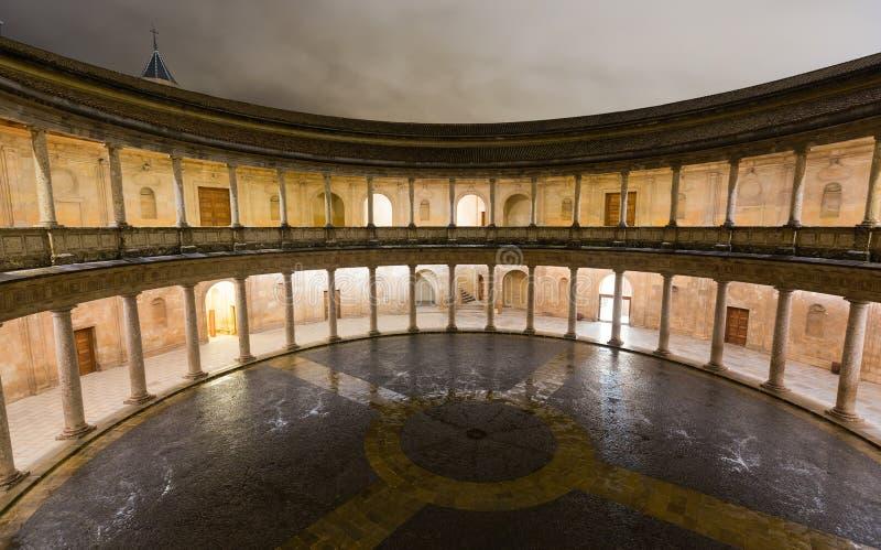 Hof des Palastes von Charles V in Alhambra lizenzfreie stockfotos