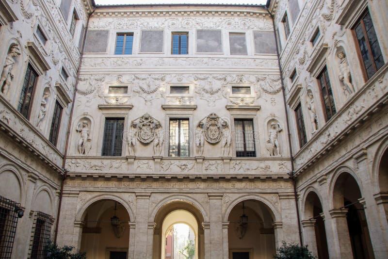 Hof Palazzo Spada lizenzfreies stockfoto